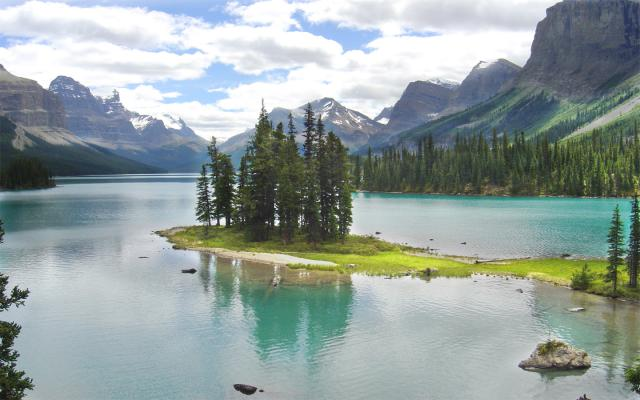 Spirit Island on Maligne Lake Photo