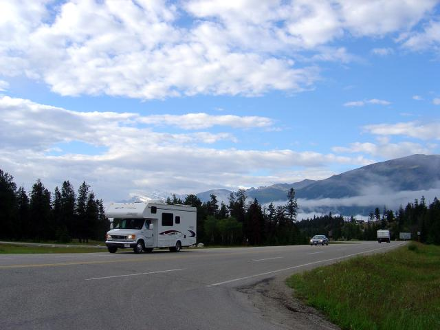 Campers on the way to Jasper National Park Photo