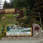 "Sign at entrance of Jasper townsite area - Sign at entrance of Jasper townsite area reads: ""Welcome - Canadian Rockies"