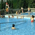 Miette Hot Springs Pools - Relax in real mineral spring water - Canadian Rockies