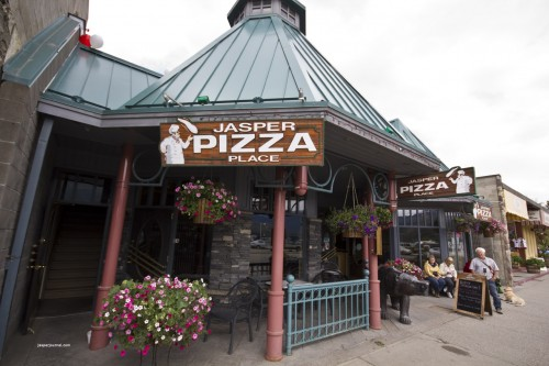 Exterior of Jasper Pizza restaurant in Jasper National Park