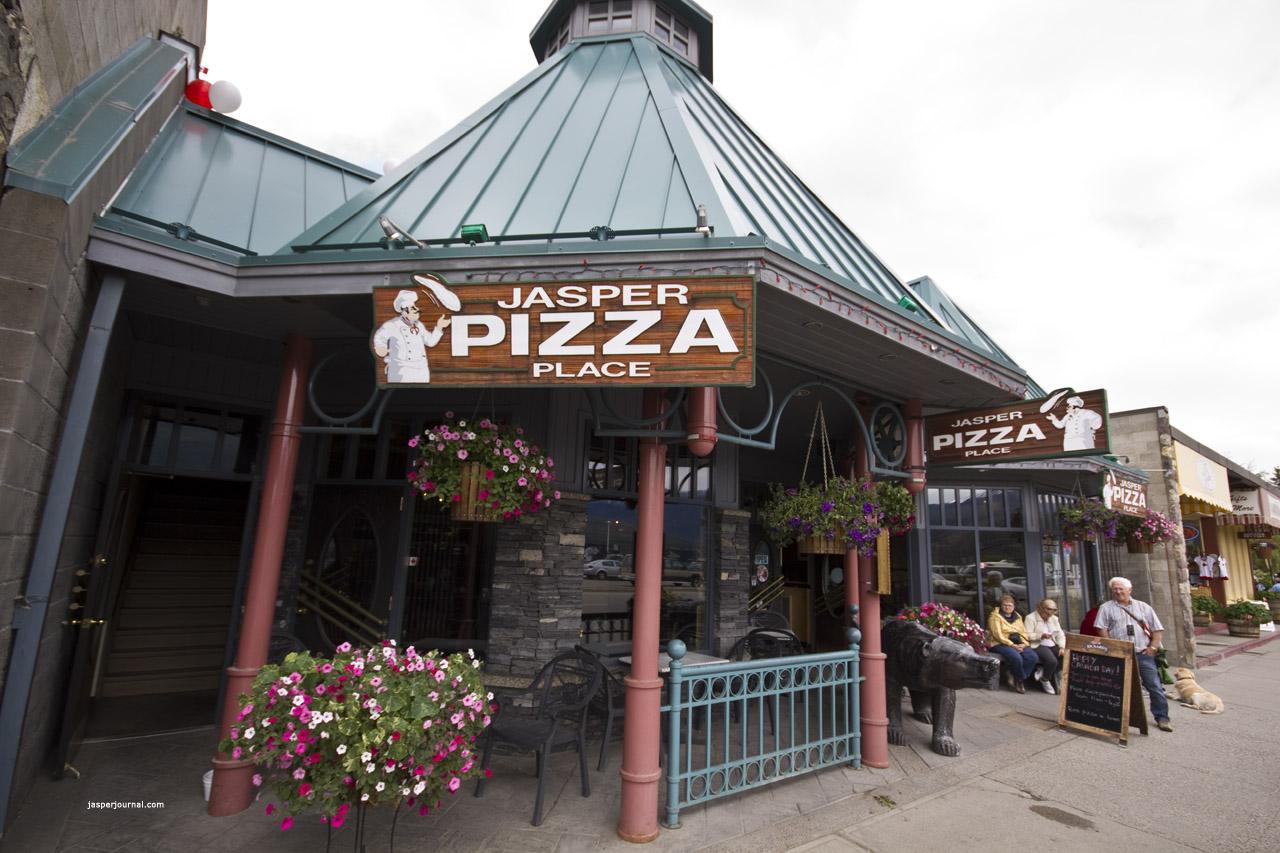 Exterior Of Jasper Pizza Restaurant In National Park